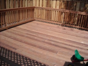 conheart redwood deck with wood rail
