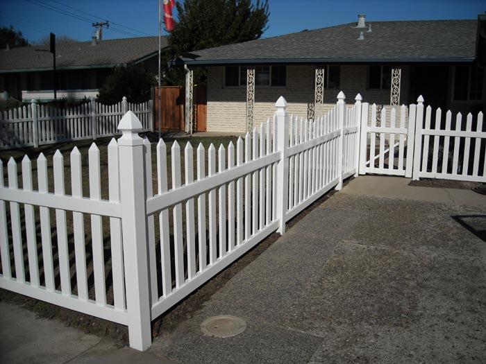 Coastal Lumber Vinyl Fencing Installations Image Gallery